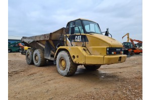 Dumper Caterpillar 725 6x6