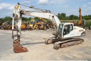 Excavator pe senile Volvo EC240CNL