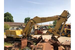 Dezmembrez excavator pe senile Liebherr R944 HDS Litronic